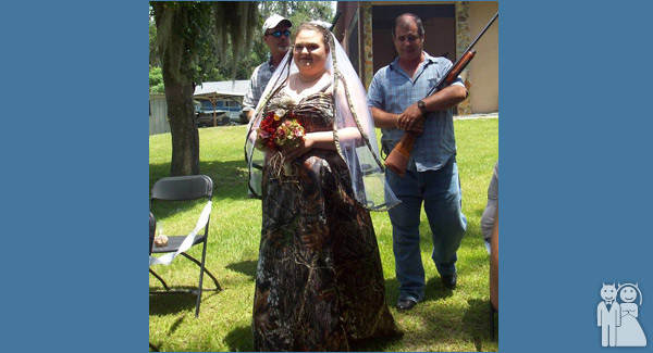 funny redneck wedding photo