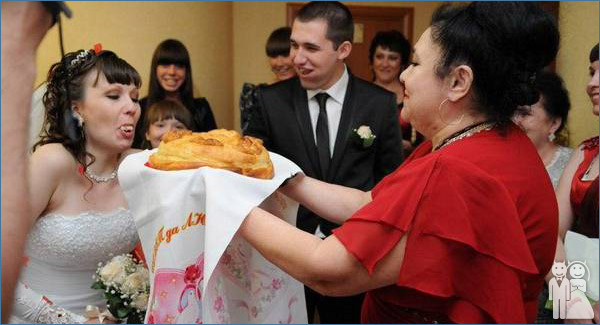 funny wedding food photo