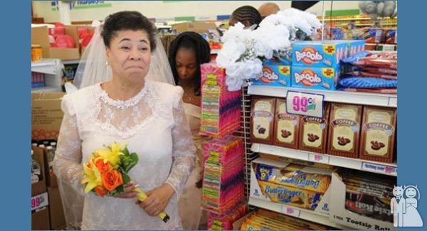 funny dollar store wedding photo