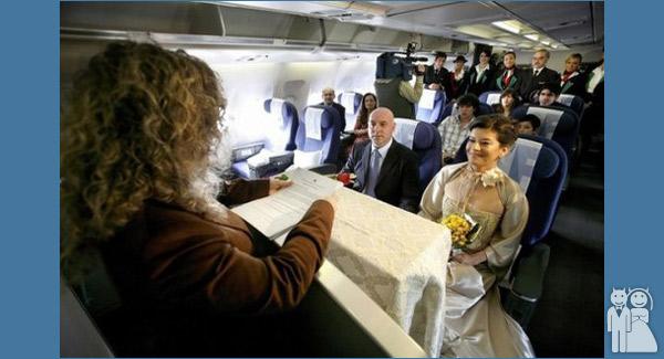 funny airplane wedding photo